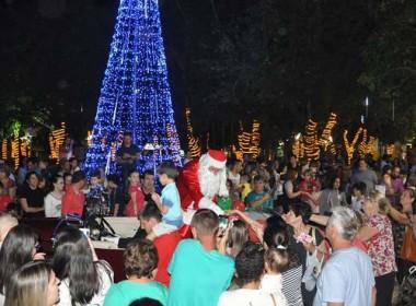 Papai Noel chega com caravana pela fraternidade em Içara