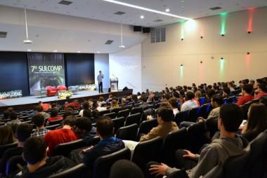 Alunos da área de tecnologia do Brasil se reúnem na Unesc