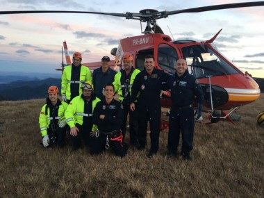 Jovem é resgatada com vida após cair de penhasco em cânion