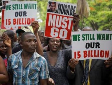 Ministros do Zimbábue não comparecem a reunião de gabinete convocada por Mugabe