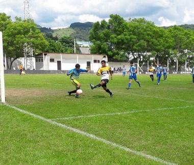 Time Sub-14 do Criciúma goleia e alcança a semifinal