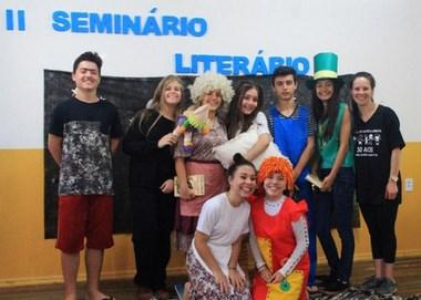 Escola Municipal Maria Arlete realiza Seminário Literário