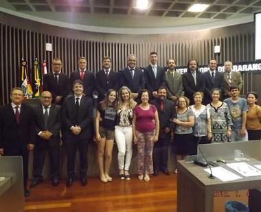 Arena Poliesportiva com nome de Nilson Matos Pereira