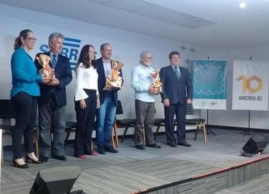 Artesã criciumense é premiada em Florianópolis