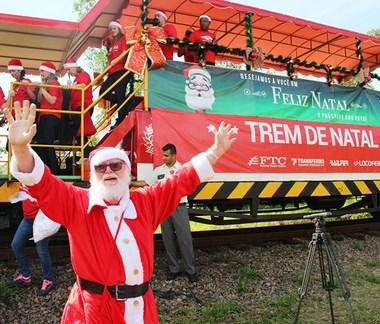 Papai Noel Ferroviário deve alegrar o dia de milhares de crianças