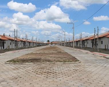 134 famílias recebem casas em Forquilhinha nesta quinta-feira