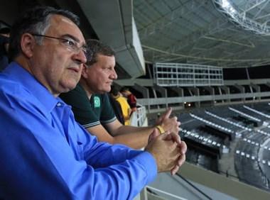 Governador Colombo prestigia jogo entre Brasil e Colômbia