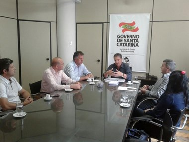 Aeroporto Diomício Freitas volta para o Município