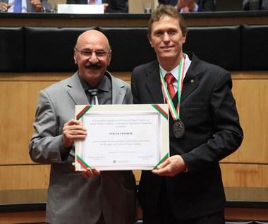 Prefeito de São Ludgero recebe homenagem do deputado Mota