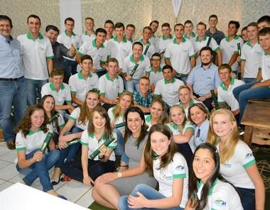 Cooperativas do Oeste de SC formam 150 alunos do JovemCoop